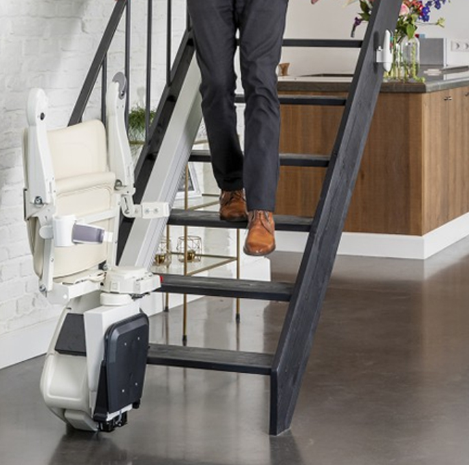 stairlift-for-the-narrow-stairs