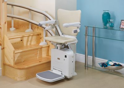 Handicare 2000 Style Curved Stairlift